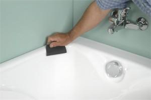 R nover sa baignoire nos conseils for Peinture email baignoire