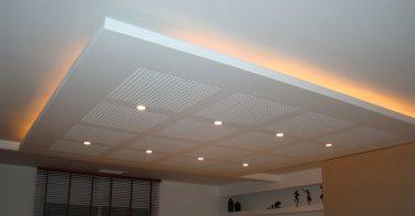 Les secrets d une piscine bien nettoy e for Pose de faux plafond suspendu